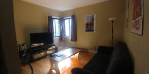 3 2/1 in Côte-des-Neiges near 2 metro stations available now