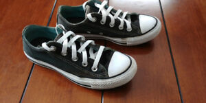 Womens Converse All Star SIZE 5