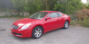 Nissan Altima coupe 2008 88000 km 5950$