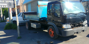 Camion dompeur international cf 600 2006