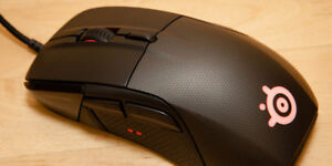 Steelseries Rival 700 Gaming Mouse - LIGHTLY USED