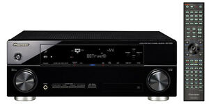 Pioneer VSX 1020-K 7.1 3D Home Theater Receiver.