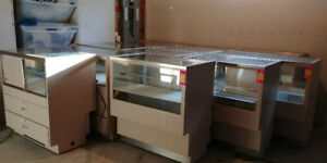 DISPLAYS SHOWCASES/ VITRINES GREAT CONDITION