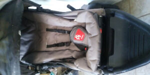 2015 Phil and Ted Navigator Stroller with 2nd Seat and Covers