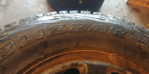 235 70 R16 Blizzak Bridgestone. Next to new condition. Set of 4