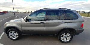 2005 BMW X5 4.4i SUV, Crossover