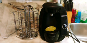 Tassimo coffee maker with coffee disc holder