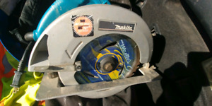 MAKITA Circular saw with electric brake and light