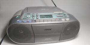 Working SONY Portable Stereo BoomBox CFD-S01 CD-R/RW & Cassette