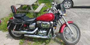 HONDA SHADOW SPIRIT 750CC ( MINT CONDITION)