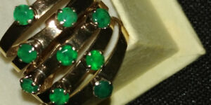 COLOMBIAN EMERALDS 14K GOLD RING GORGEOUS