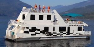 HOUSEBOAT! CRUISCRAFT 3 FOR SALE July 13-16 ( Shuswap )