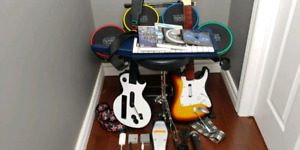 Wii/WiiU Rock Band Guitar Hero Bundle + KEYBOARD and Games
