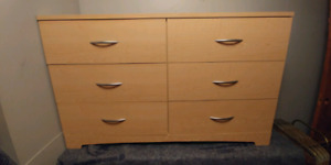 Beautiful dresser for sale, free delivery