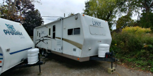 2008 Prowler LYNX Supreme BIG Travel Trailer 32FT Like Brand New