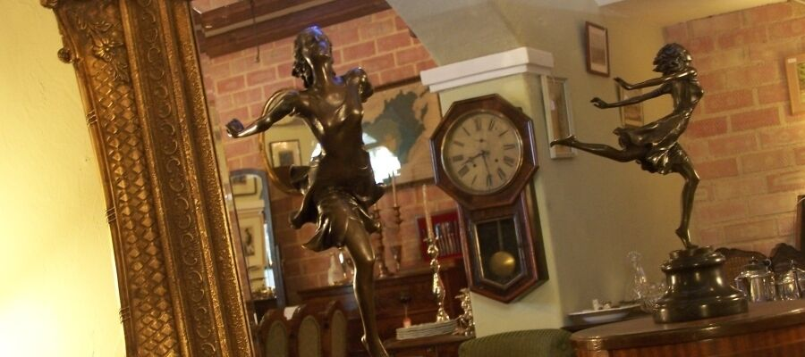 Pemberley Antiques & Collectables