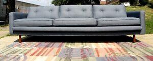 1950s-SOFA-WALNUT-LEGS-MID-CENTURY-MODERN-ed-wormley-inspired-designer-fabric