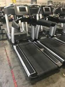 Life Fitness Discover SI Commercial Treadmills-GREAT SHAPE