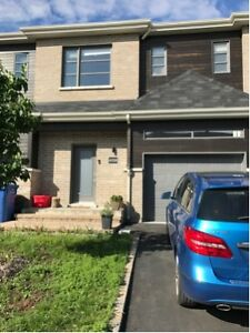 Beautiful Town house for rent in Brossard, recent construction