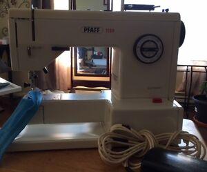 Pfaff 1199 Sewing Machine