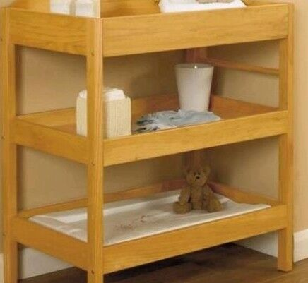 ofers welcum.chngng table/toys storage