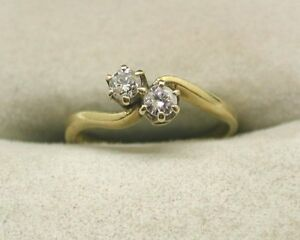 1980s-Vintage-18ct-Gold-Two-Stone-Diamond-Ring