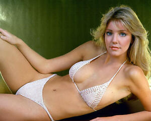 HEATHER-LOCKLEAR-SEXY-SHOT-HUGE-CLEAVAGE-IN-TINY-BIKINI-24X30-POSTER