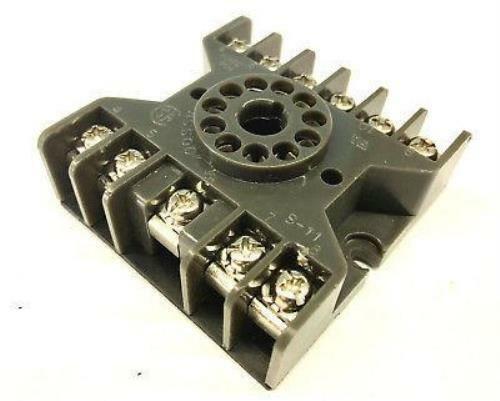 S-11, 11 Pin Octal Type Relay Socket, 10 Amp 300 VAC