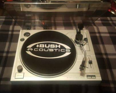 BUSH ACOUSTICS TURNTABLE/RECORD PLAYER/33-45 SPEED