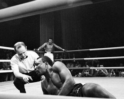 BOB FOSTER vs MUHAMMAD ALI 8X10 PHOTO BOXING PICTURE (Muhammad Ali Boxing Pictures)