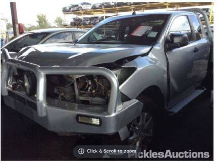We are dismantling a Toyota Hilux 2009 #2538