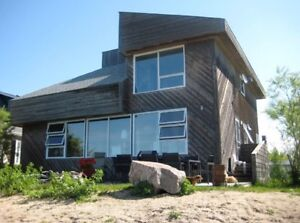 Lakefront Contemporary Open Concept Cottage-Close to Winnipeg