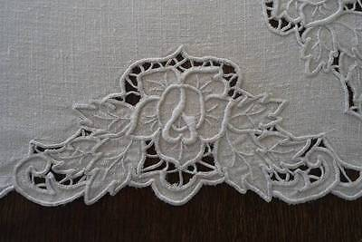 """Vintage Linen Tablecloth Cutwork Embroidered Roses Needle Lace Flowers Ecru 43"""""""
