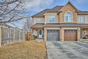 *Spectacular End Unit Freehold Town Home In Desirable Aspen Spri