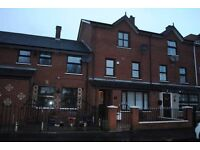 lovely big house, quiet area walking distance to city centre and many local amenities - BE QUICK