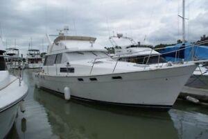 Bayliner Diesel Motoryacht