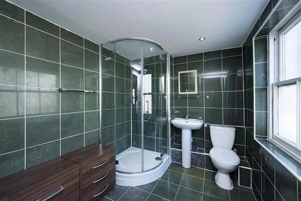 awesome room near Westham for 150pw 07957091448
