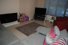 amazing 5 bedroom house, walking distance to city centre and uni of ulster beside yorgate gym cinema