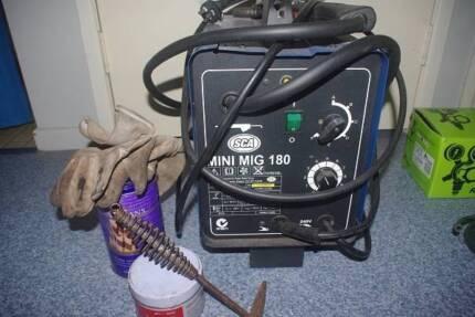 180 AMP MIG Welder, Gas/Gasless w/regulator,wire,dip,tips,oldmask