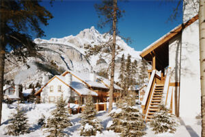 NEW YEARS IN BANFF, EXECUTIVE TOWNHOUSE CHALET, Sleeps 6