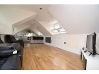 Stunning two bedroom penthouse apartment in Archway, N19 4AB.