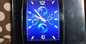 Gear S smartwatch 150 dollars everything works black line on lcd