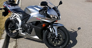2008 Honda CBR 600rr with Vance and Hines exhaust