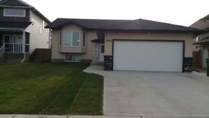 Fully Contained 2 Bed, 1 Bath Lower Unit of House, AB Side