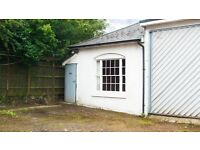 Office/workshop/studio/storage unit to let with parking. Easy terms. Good location.
