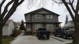 3 Bed, 1.5 Bath Townhouse, SK Side