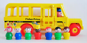FISHER PRICE SCHOOL BUS #192 1965 w 7 LITTLE PEOPLE EXCELLENT