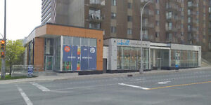 Street Front Retail Space on High Profile Corner Downtown!