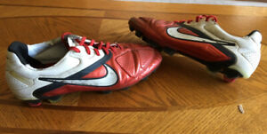 Nike Ctr360 - Soccer Cleats Size 11