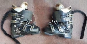 Ski boots for kids or for Ladies' Size 6